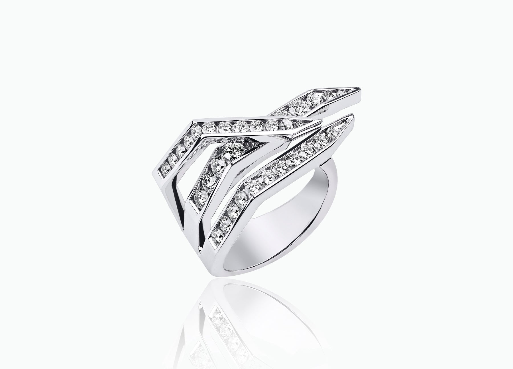 ROUND DIAMOND WING RING