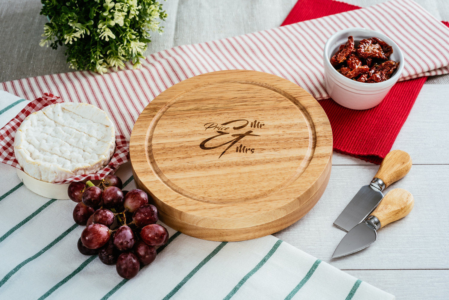 Personalised round wooden cheese board set - Happy Birthday