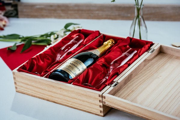 Engraved triple wine - alcohol gift box A Lovely Anniversary Gift