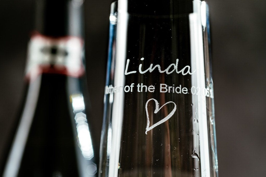 Engraved champagne flute - Wedding Decor - Glass