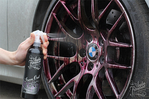 Buy Wielen Behandelingen in the Custom Car Care webshop.