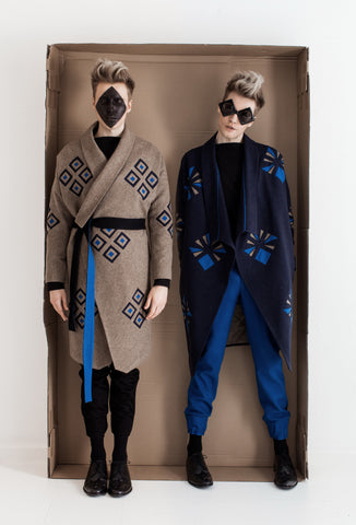 Art Déco Fashion Style for men, frock coat with art déco peacock pattern, virgin wool with colorful designs, luxurious bespoke tailoring made in Berlin
