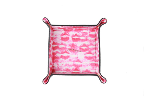 Kisses Leather Tray
