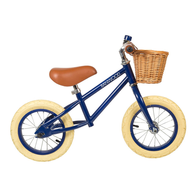 Banwood bike, first go, blue