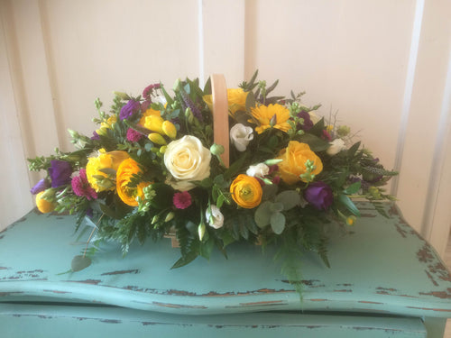Yellow basket tribute