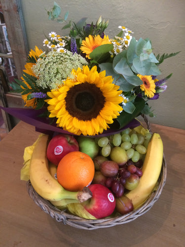 Flower posy and fruit bowl