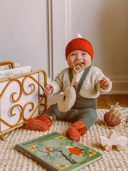Silly Silas Baby tights and Bayiri Organic baby knits hat and booties