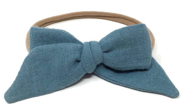 BABY TIED BOW IN DUSTY BLUE GAUZE HEADBAND - sugarloaf