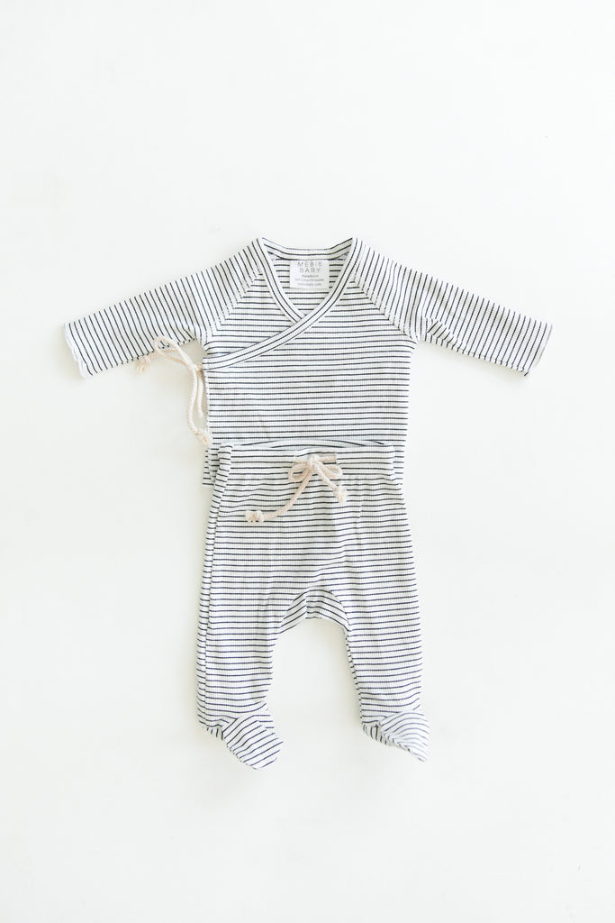 Mebie Baby Mebie Baby Black + White Striped Ribbed Cotton Layette Set