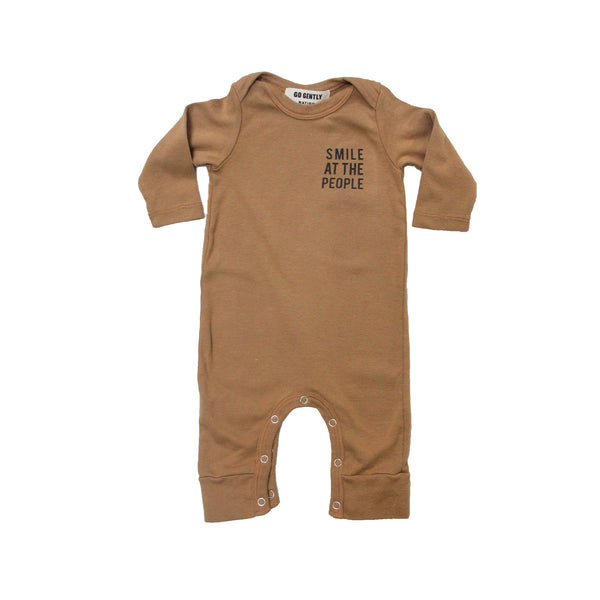 Go Gently Nation SMILE AT THE PEOPLE ROMPER IN FLAX
