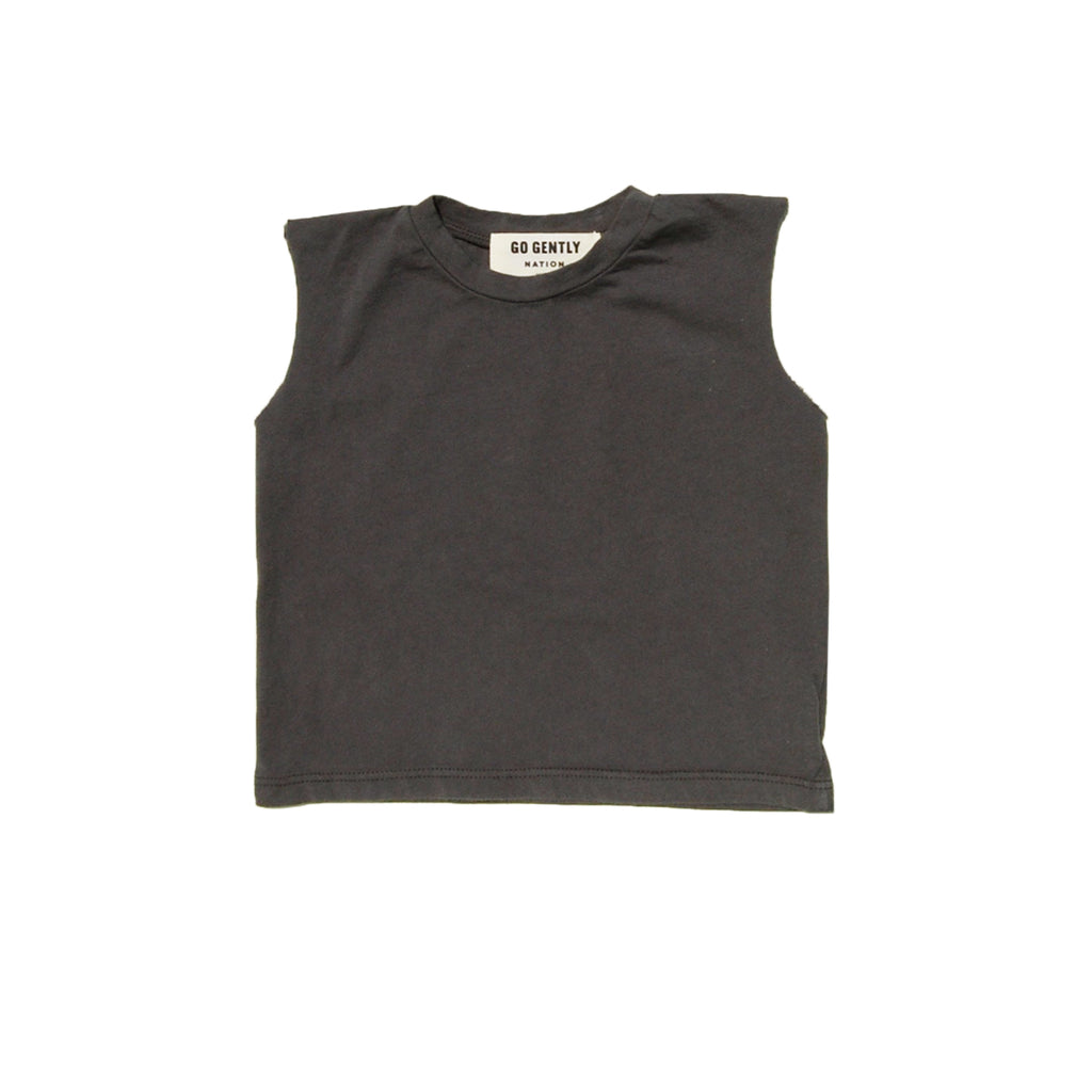 GO GENTLY NATION ORGANIC GO GENTLY NATION MUSCLE TEE IN CHARCOAL - SUGARLOAF