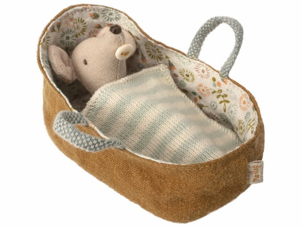 Maileg Baby Mouse in Carrycot Includes the little mouse, 1 blanket and 1 carrycot