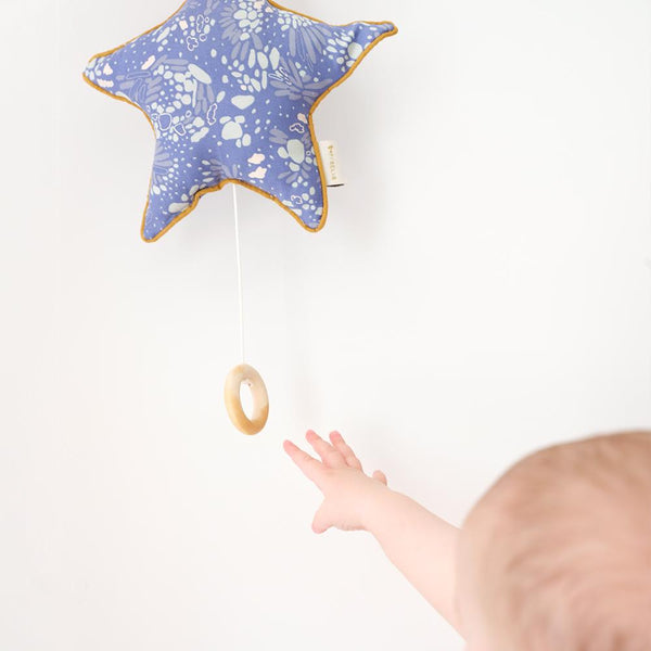 SEA STAR MUSICAL BABY MOBILE