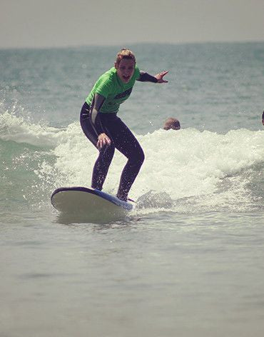 10 Surf Classes Package with Personal Trainer - Surf' in Monkeys School & Shop