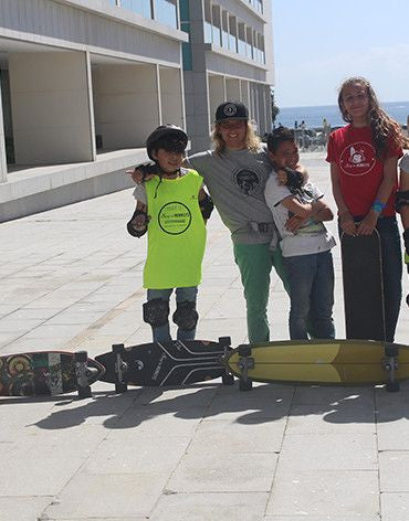15 Skate Classes Package (Group or Personal Trainer) - Surf' in Monkeys School & Shop