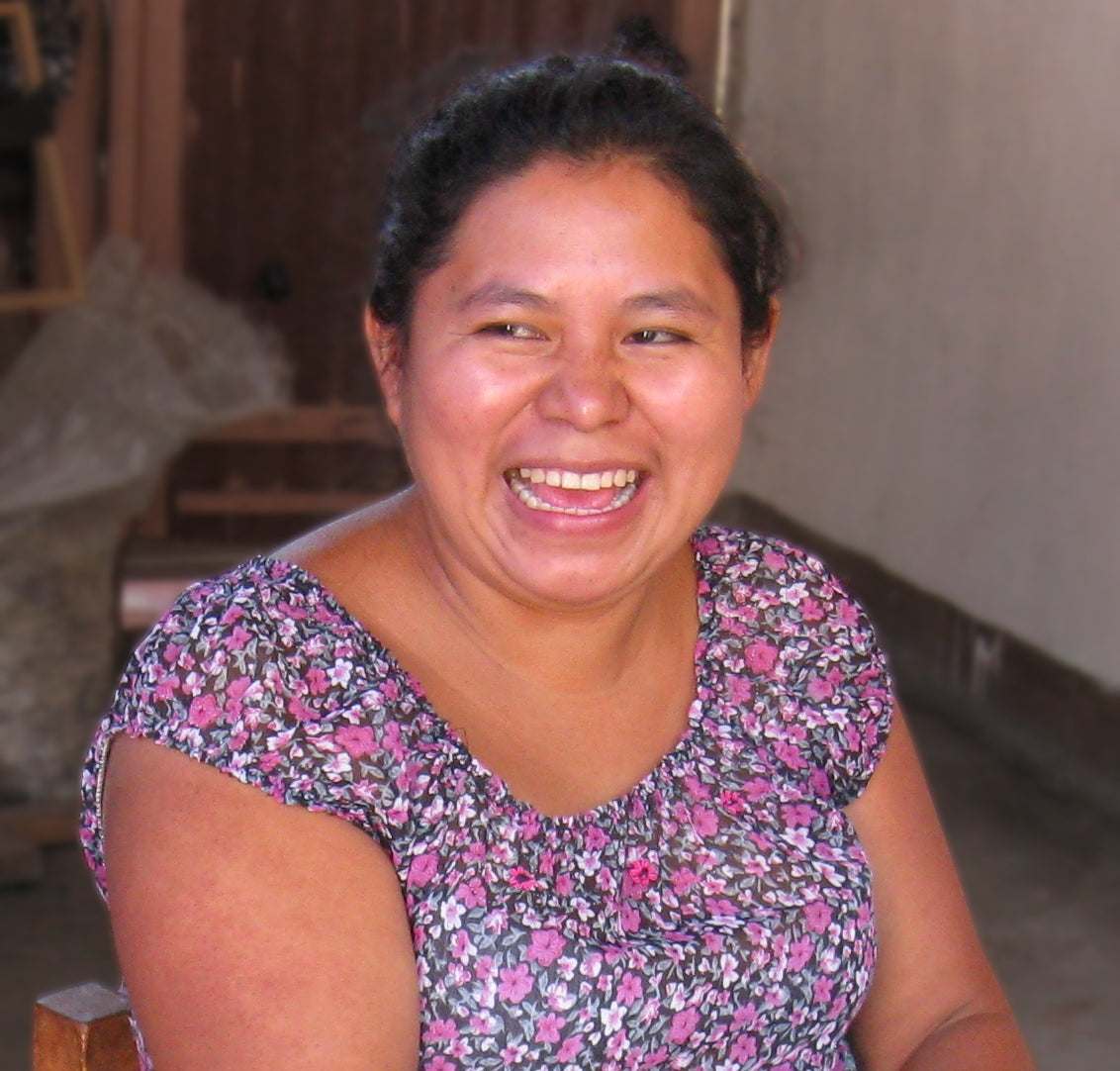 Master Mayan backstrap loom weaver isabel Pérez mendoza headshot for MayaWeavings