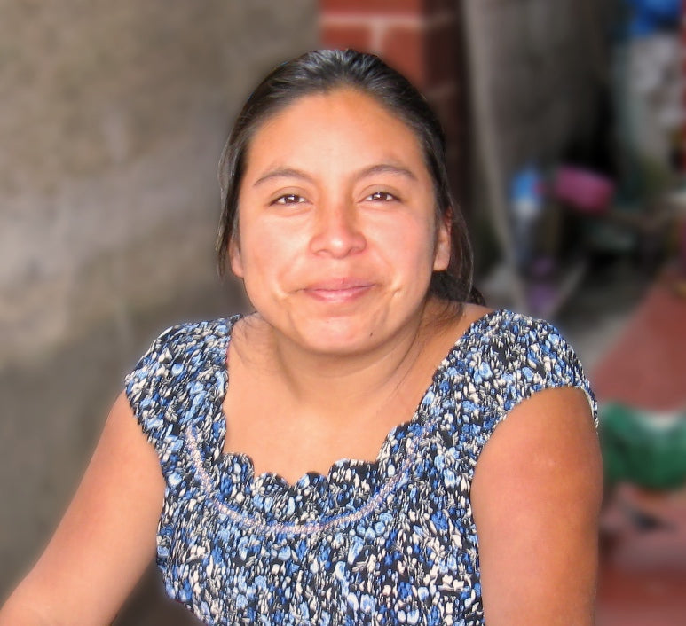 Master Backstrap loom Weaver Sonia Antonieta Cholotío from Guatemala headshot for MayaWeavings