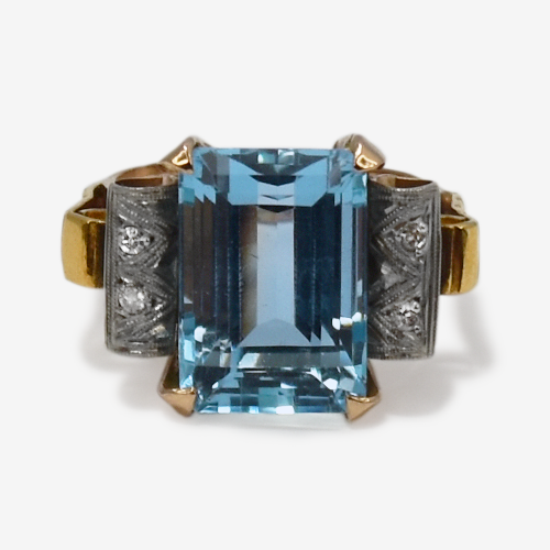 Vintage Aquamarine and Diamond Ring.