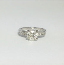 1.25 Carat Diamond Solitaire Platinum Engagement Ring