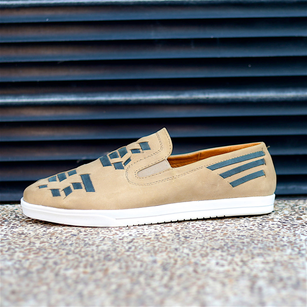 COMA SLIP-ON HUARACHE SNEAKER FOR MEN IN CAMEL LEATHER WITH NAVY WEAVE