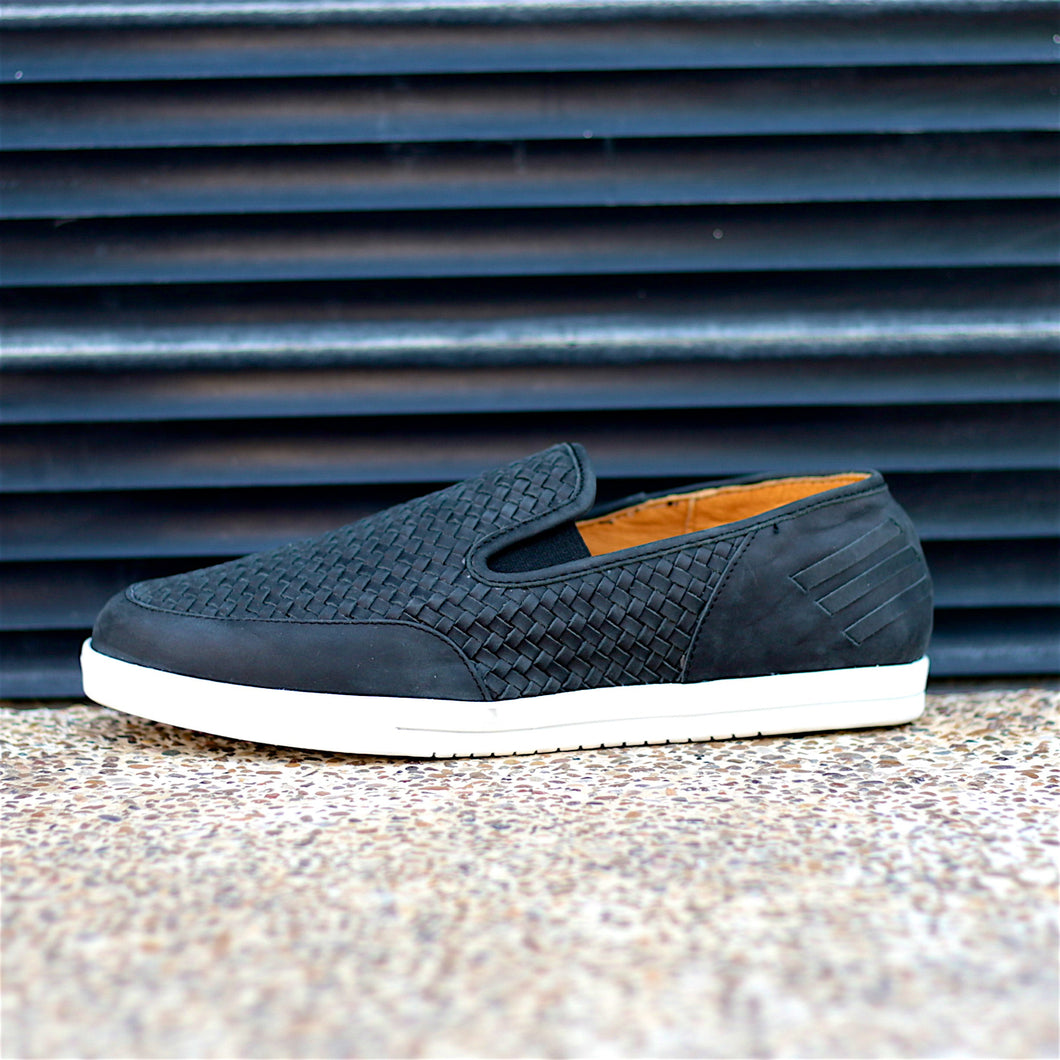 KAKLE SLIP-ON HUARACHE SNEAKER FOR MEN IN BLACK LEATHER WEAVE