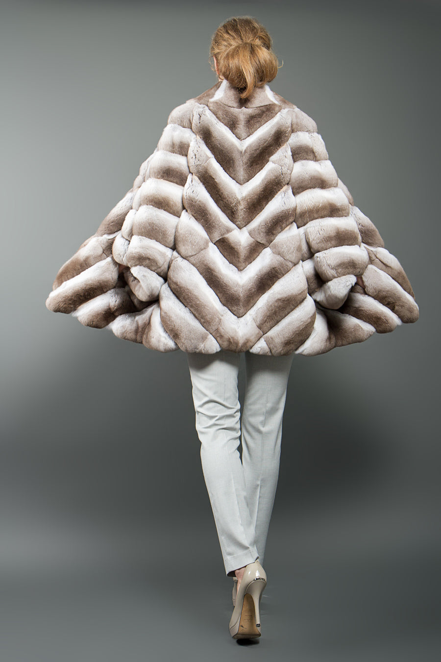 Beige Chinchilla Fur Poncho