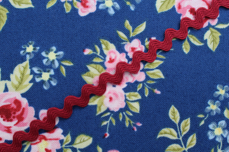 Small/Medium Ric Rac Trim - 3 Metre Length