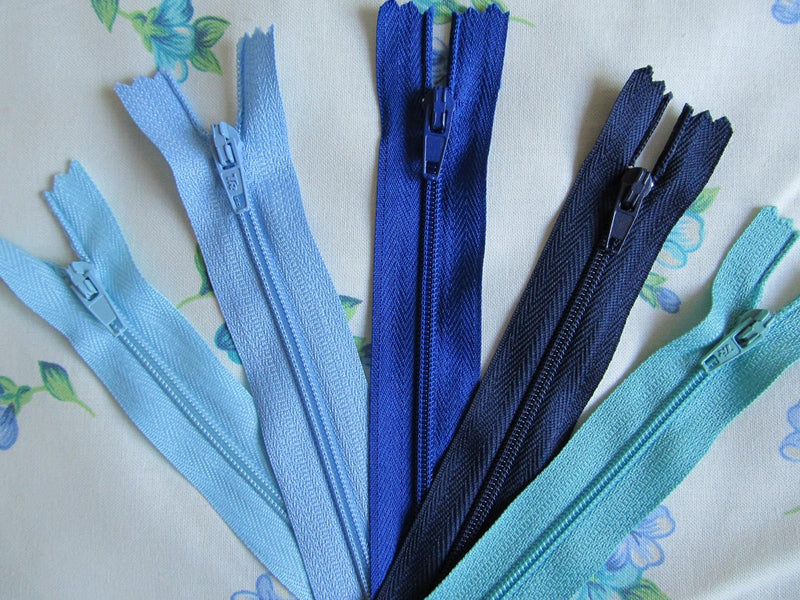 "Pack of 5 Closed End Zips - 22"" (55cm)"