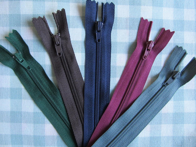 "Pack of 5 Closed End Zips - 20"" (50cm)"