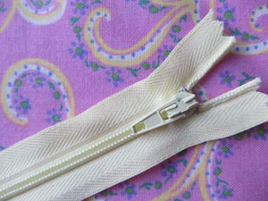 "Closed End Zip - 4"" (10cm)"