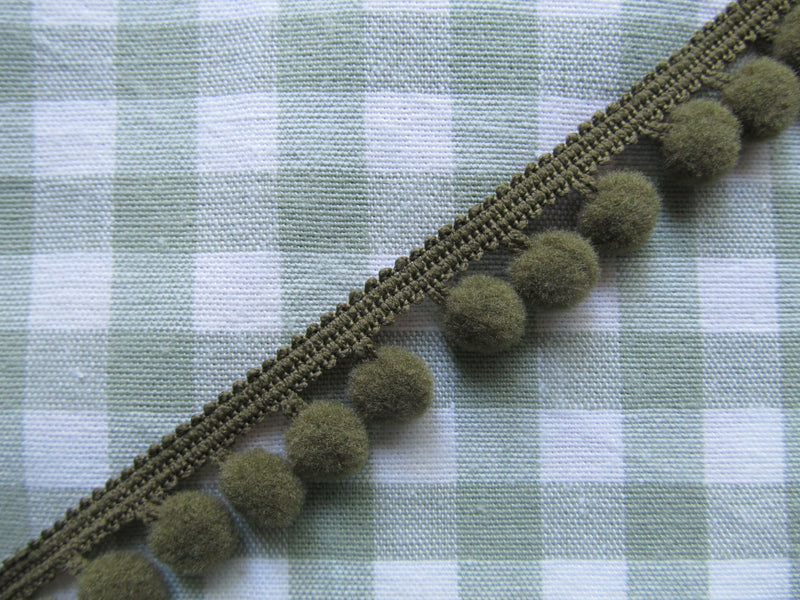 Medium Pom Pom Trim