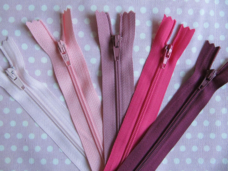 "Pack of 5 Closed End Zips - 8"" (20cm)"