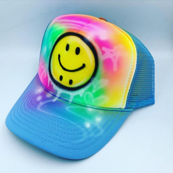 airbrush custom spray paint  Airbrush Bipolar Smiley Face Hat Design shirts hats shoes outfit  graffiti 90s 80s design t-shirts  Airbrush Brothers Hats
