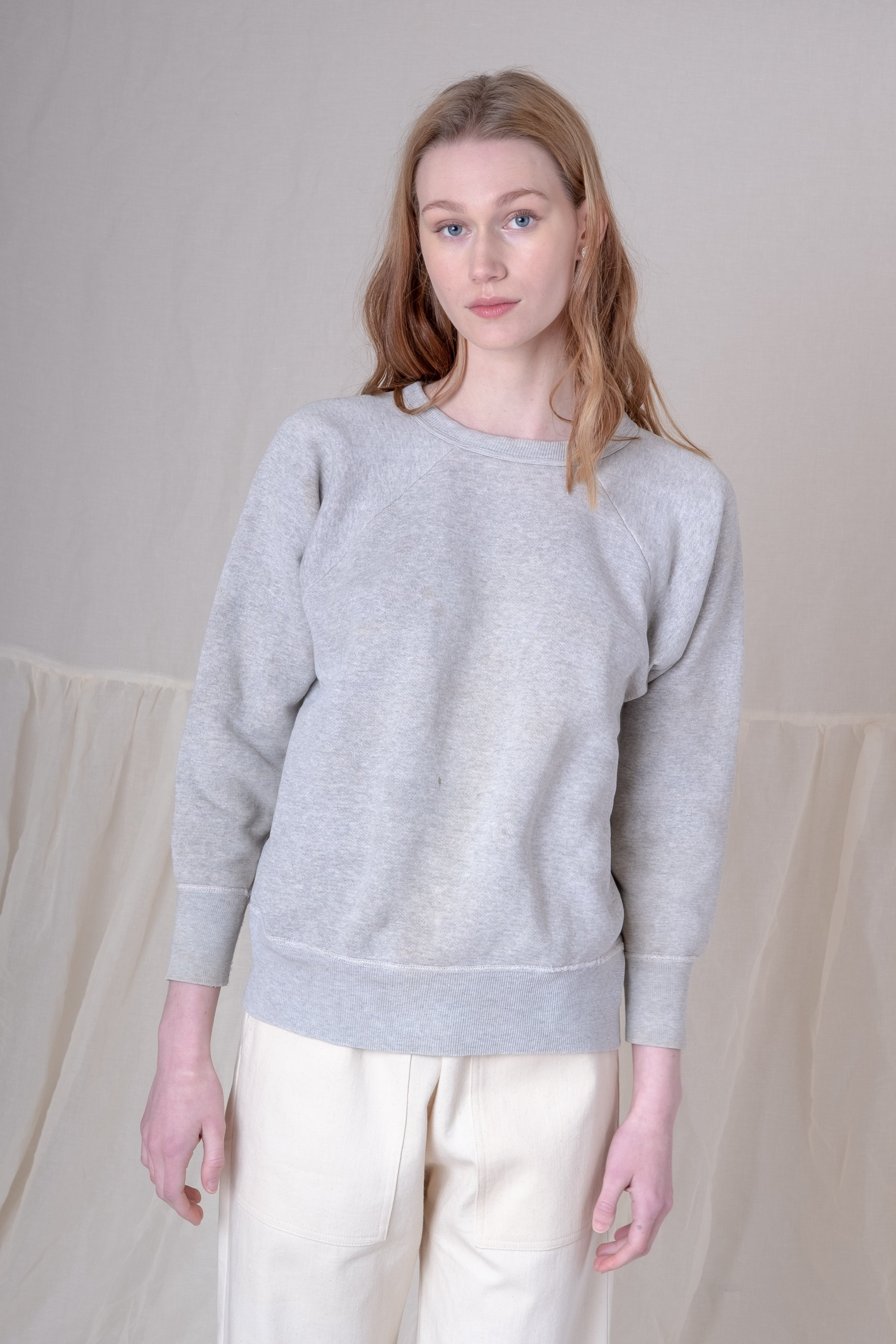 VINTAGE GREY SWEATSHIRT 10