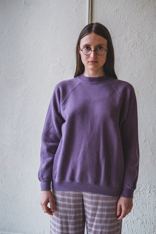 VINTAGE PURPLE SWEATSHIRT 01