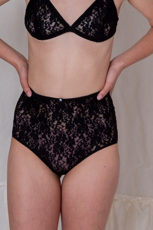 HIGH WAIST LACE PANTY IN BLACK