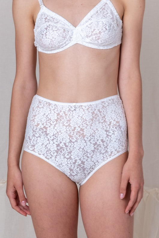 HIGH WAIST LACE PANTY IN WHITE