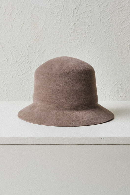 BUCKET HAT IN VELOUR FELT