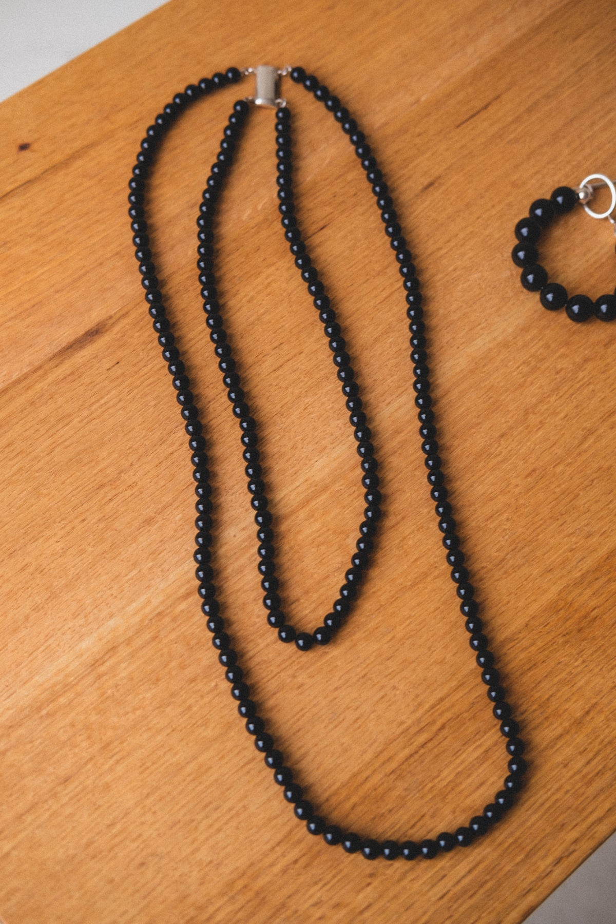 ONYX STRAND NECKLACE