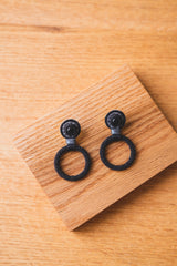 BEADED HOOP EARRINGS WITH ONYX