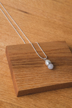 AMA DROP NECKLACE IN CLOUD