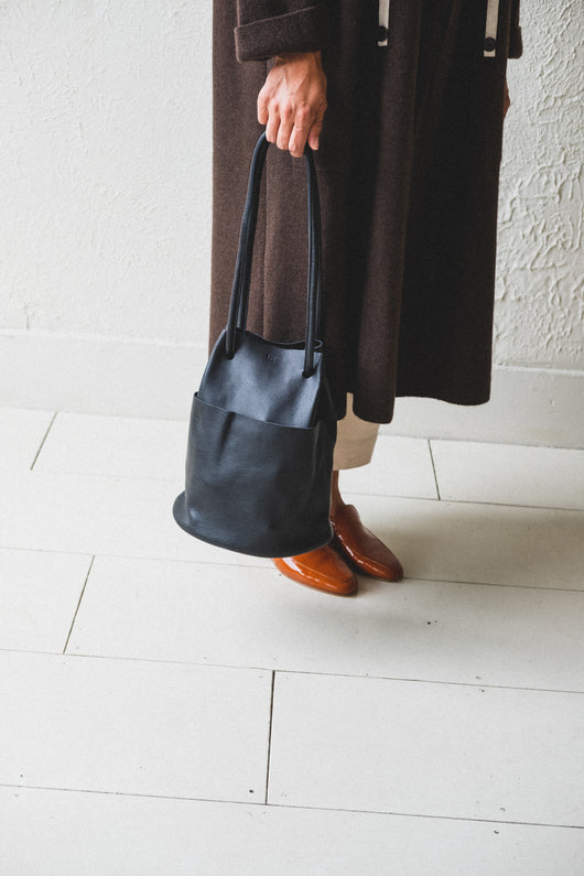 TUBE BAG IN BLACK