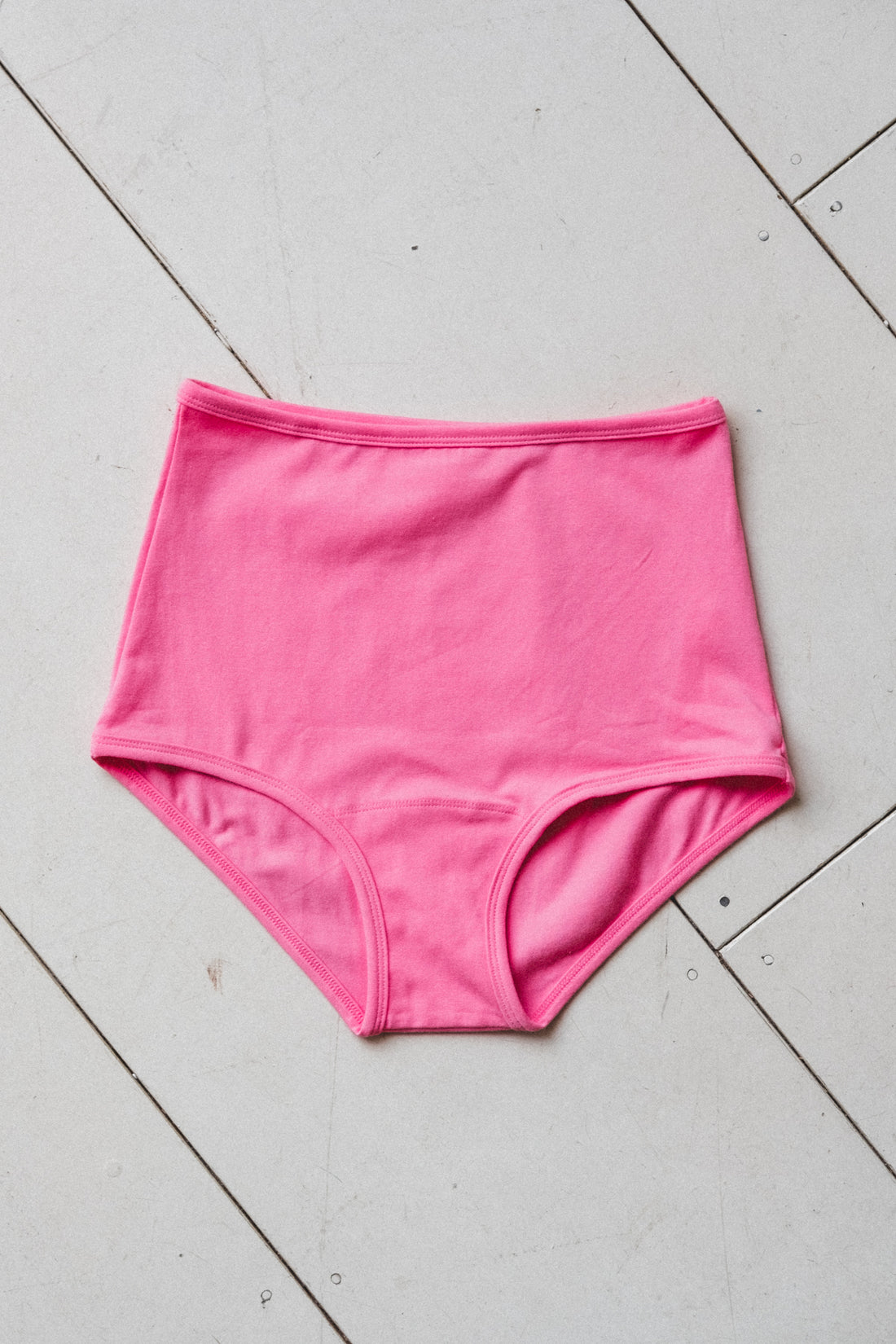 HIGH RISE UNDIES IN BUBBLE GUM
