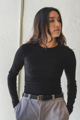 AID LONG SLEEVE IN BLACK BUCKLE KNIT COTTON