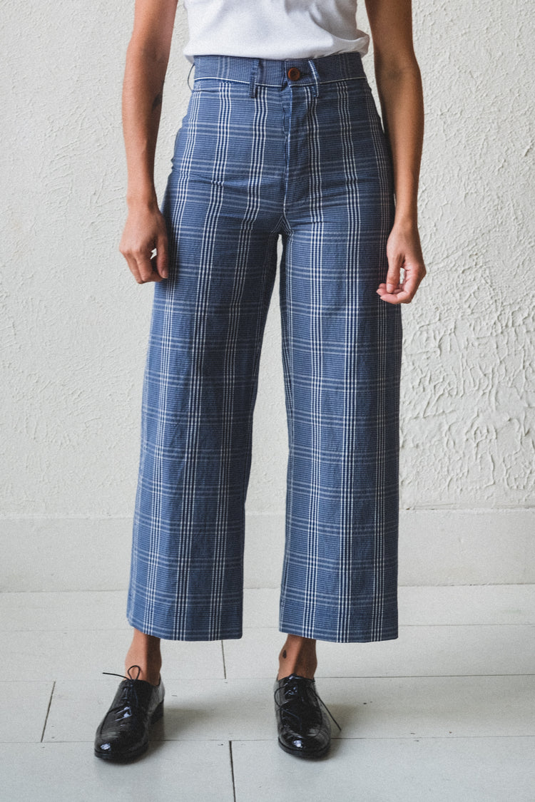 STEWART PANTS IN NAVY SEERSUCKER PLAID