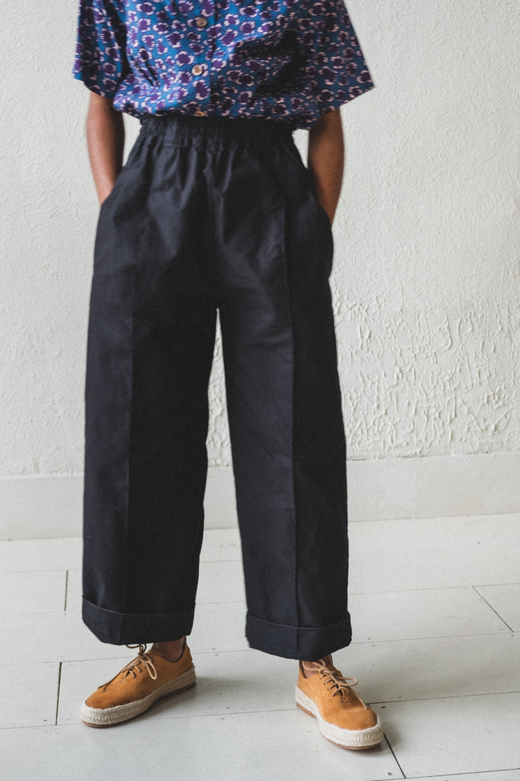 HOLLIE TROUSER IN BLACK SHOWERPROOF OILSKIN