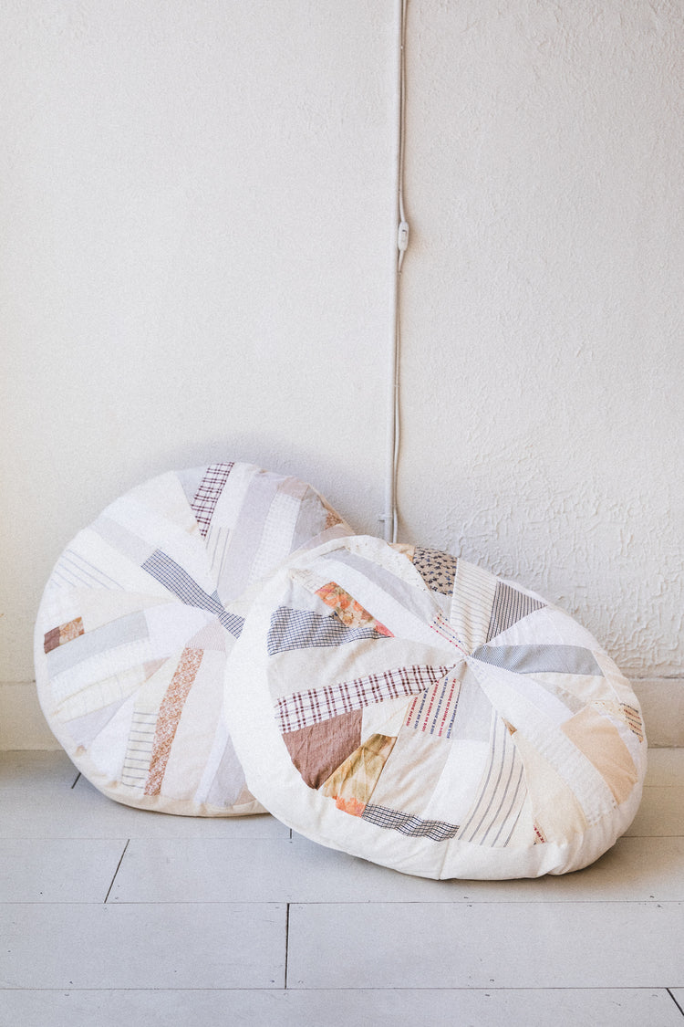 QUILTED POUFS IN CREAM