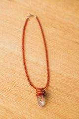 PENDULUM NECKLACE IN CARNELIAN/LITHIUM QUARTZ