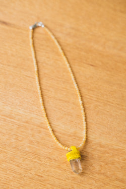 PENDULUM NECKLACE IN YELLOW JASPER/LITHIUM QUARTZ