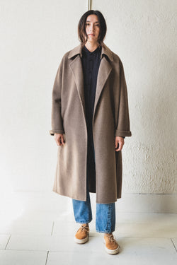 LONG COAT IN UNDYED YAK WOOL